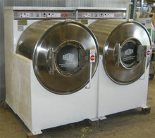MILNOR FRONT LOAD WASHER 50LB 30020C4A