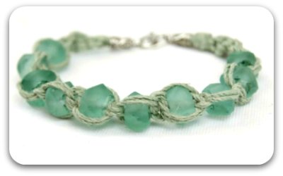 tn-macrame-glass-bracelet-tutorial.png