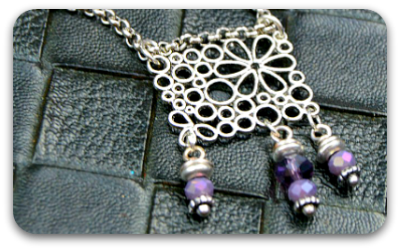 tn-may-flowers-necklace-tutorial.png