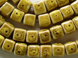 Cube 8-9mm - Glazed Yellow Porcelain Beads (PO287)