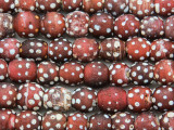 Old Red & White Skunk Trade Beads 10-14mm - Africa (AT6560)