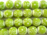 White & Lime Green Swirl Glass Beads 11mm (JV888)