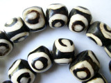 Large Batik Bone Beads, Circles 20-22mm - Kenya (BA13)