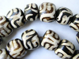 Large Batik Bone Beads w/Swirls 20-25mm - Kenya (BA14)