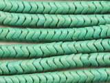 Old Green Glass Snake Trade Beads 8-9mm (AT7124)