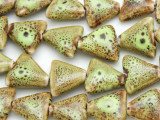 Triangle 15-16mm - Glazed Lime Porcelain Beads (PO389)