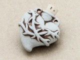 Heart w/Thorns Ceramic Cork Bottle Pendant 36mm (AP1917)