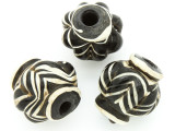 Black & White Chevron Fluted Glass Bead 22-24mm (CB565)