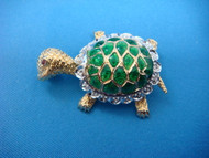 ADORABLE 18K GOLD TURTLE BROOCH WITH GREEN ENAMEL