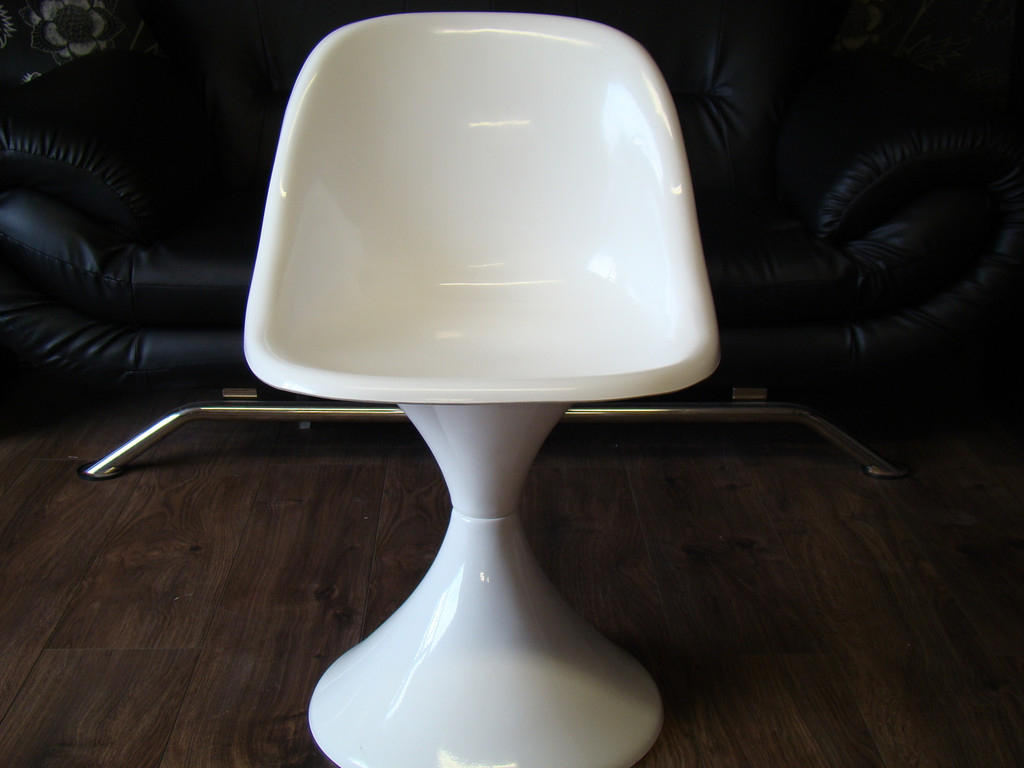 1960`s Style Tulip Chair