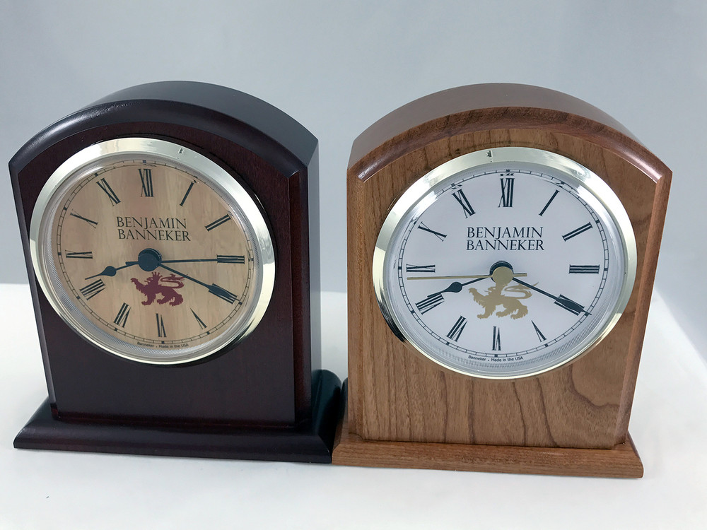 The 3500 is a timeless Benjamin Banneker Clock that is perfect for your desk or mantel.  Shown in Burgundy (Dark) and Autumn (Light)