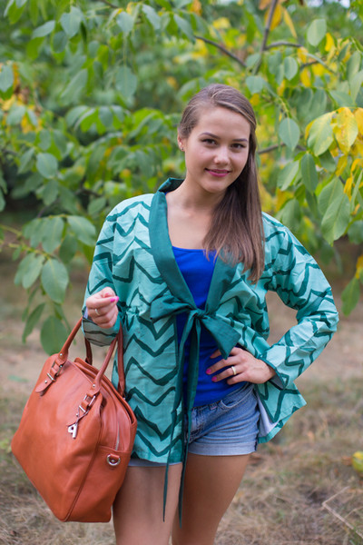 """Bow and Me"" Kimono jacket in Chevron pattern"