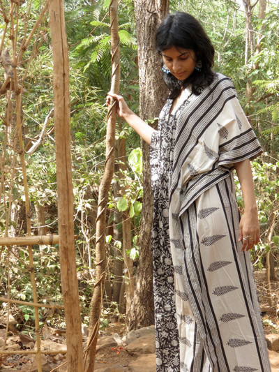 """Organic Au Naturelle"" Cinched Drawstring kaftan in Black White Leafy Border Pattern"