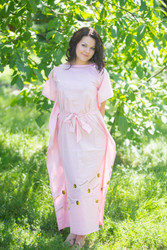 """Divinely Simple"" kaftan in Falling Daisies pattern"
