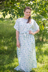 """Divinely Simple"" kaftan in Tiny Blossoms pattern"