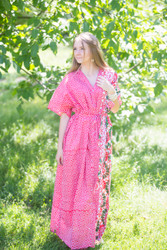 """Best of both the worlds"" kaftan in Round and Round pattern"