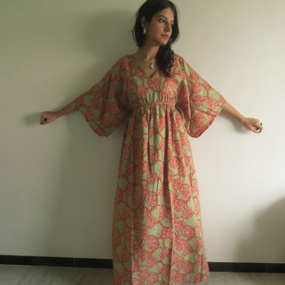 """I wanna Fly"" kaftan in Floral Spiral pattern"