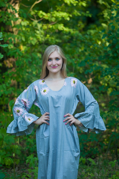 """Frill lovers"" kaftan in Falling Daisies pattern"