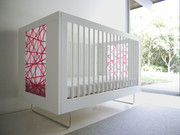 Spot on Square Alto Crib - Red Strands