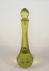AVON  ~  GREEN DECANTER ... Field of Flowers Foaming Bath Oil