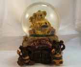 Boyd's  ~  VICTORIA REGINA ... Home Sweet Hive MUSICAL Water Globe *1E* NIB