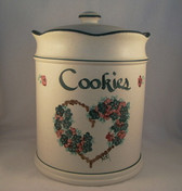 Noel  ~  COOKIE JAR ... Green Heart & Flower Design  *  NEW From Our Shop