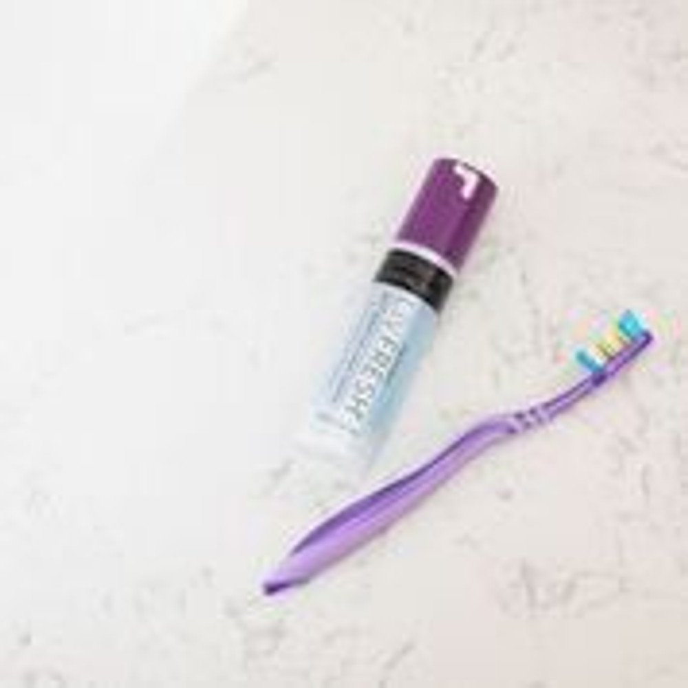 Why brush with Livionex Dental Gel?