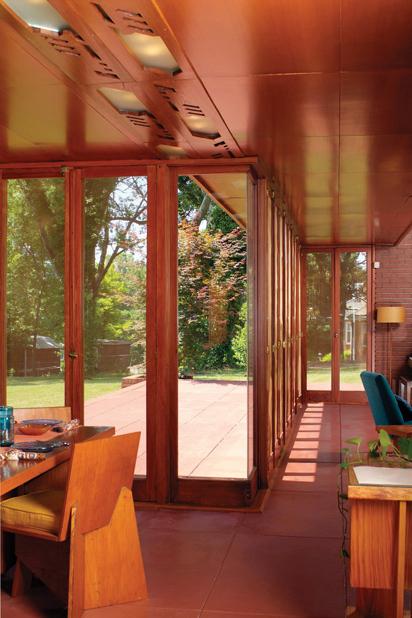 frank-lloyd-wright-rosenbaum-house-interior.jpg
