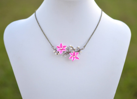 Emily Vine Necklace in Pink Stargazer Lily