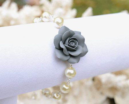 Aaliyah Link Bracelet in Grey Rose with Pearls