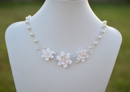 Cleo Vine Bridal Necklace in White Gardenia