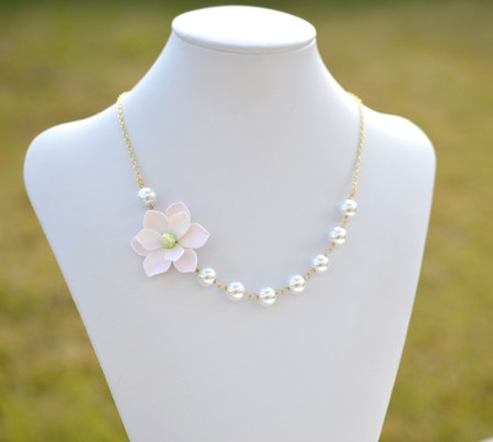 Oscar Asymmetrical Necklace in White Magnolia. FREE EARRINGS