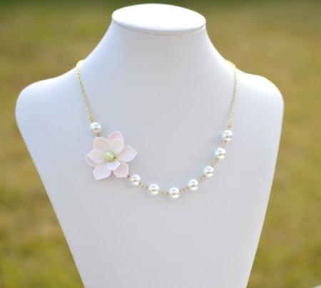Oscar Asymmetrical Necklace in White Magnolia. FREE EARRINGS