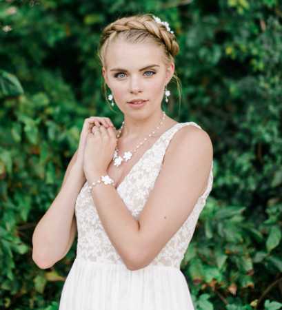 Samantha Bridal Jewelry Sets in White Gardenia. Set of 3