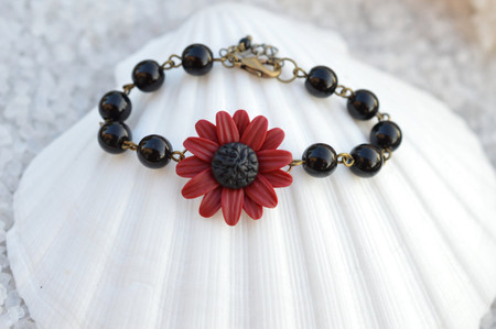 Andrea Link Bracelet in Deep Red /Red Garnet Sunflower with Black Beads