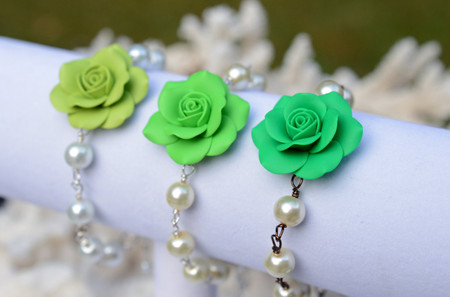 Aaliyah Link Bracelet in Green Shade Rose with Pearls