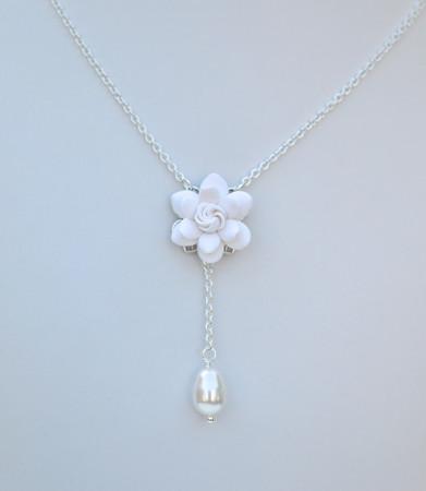 LUNA Y Drop Necklace in White Gardenia