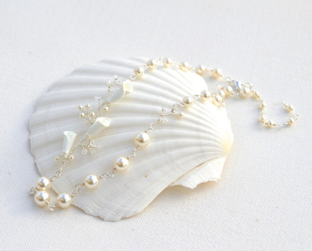 Mayra Vine Necklace in Ivory Calla Lily. FREE EARRINGS