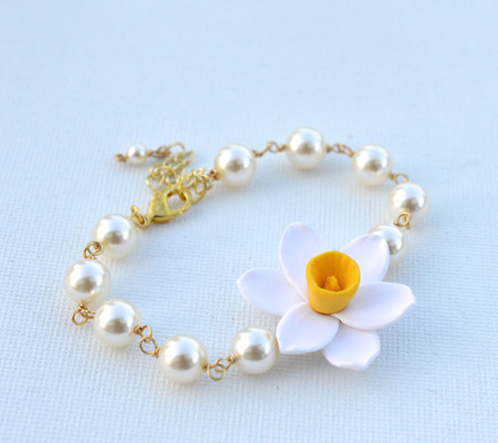 Andrea Link Bracelet in White Yellow Daffodil/Narciscus