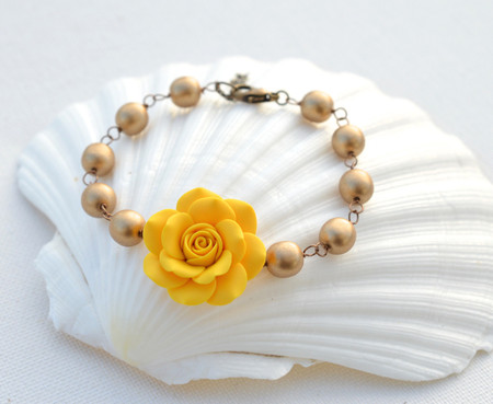 Aaliyah Link Bracelet in Golden Yellow with Antiqued Gold Beads