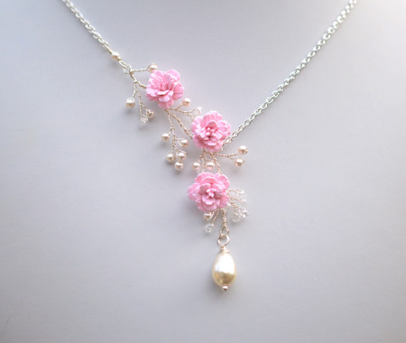 Trio Vine Necklace in Soft Pink Cherry Blossom/Sakura