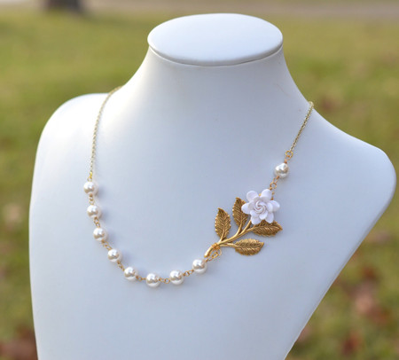 Amira Asymmetrical Necklace in White Gardenia and Metal Branch. FREE EARRINGS