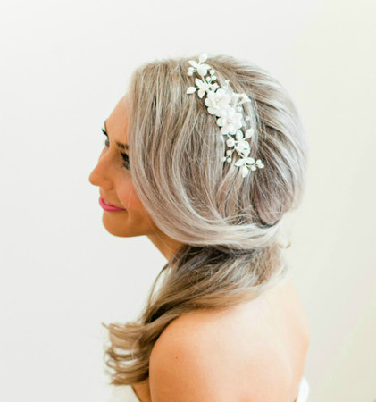 Cassidy Hair Comb in White Garden Rose