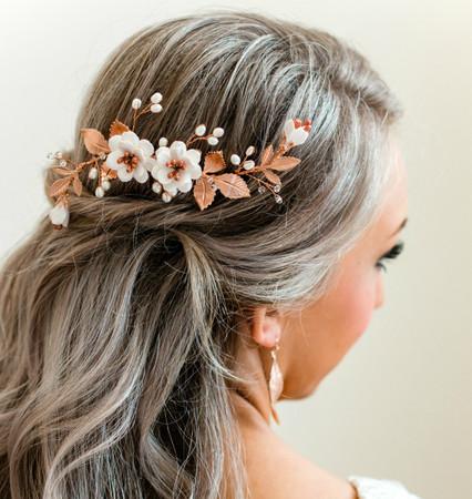 Carmen  Hair Comb in White Garden Rose