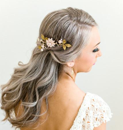 Zoe Hair Comb in Nude/Beige Dahlia