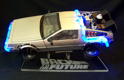 1/15 Delorean BTTF stand