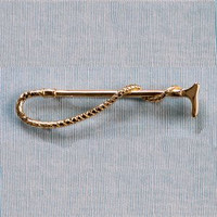 14k Gold Hunting Whip Stock Pin