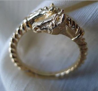 Maxi Gold Double Horse Head Ring