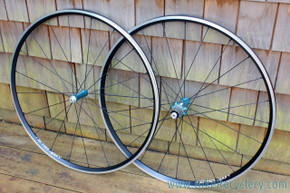 Hermes Sport 700c Road Boutique Wheelset: LOUD Magnetic Freehub - 9/10/11s Shimano - 24/20H - 1500g - Cyan Blue / Black (Near Mint)