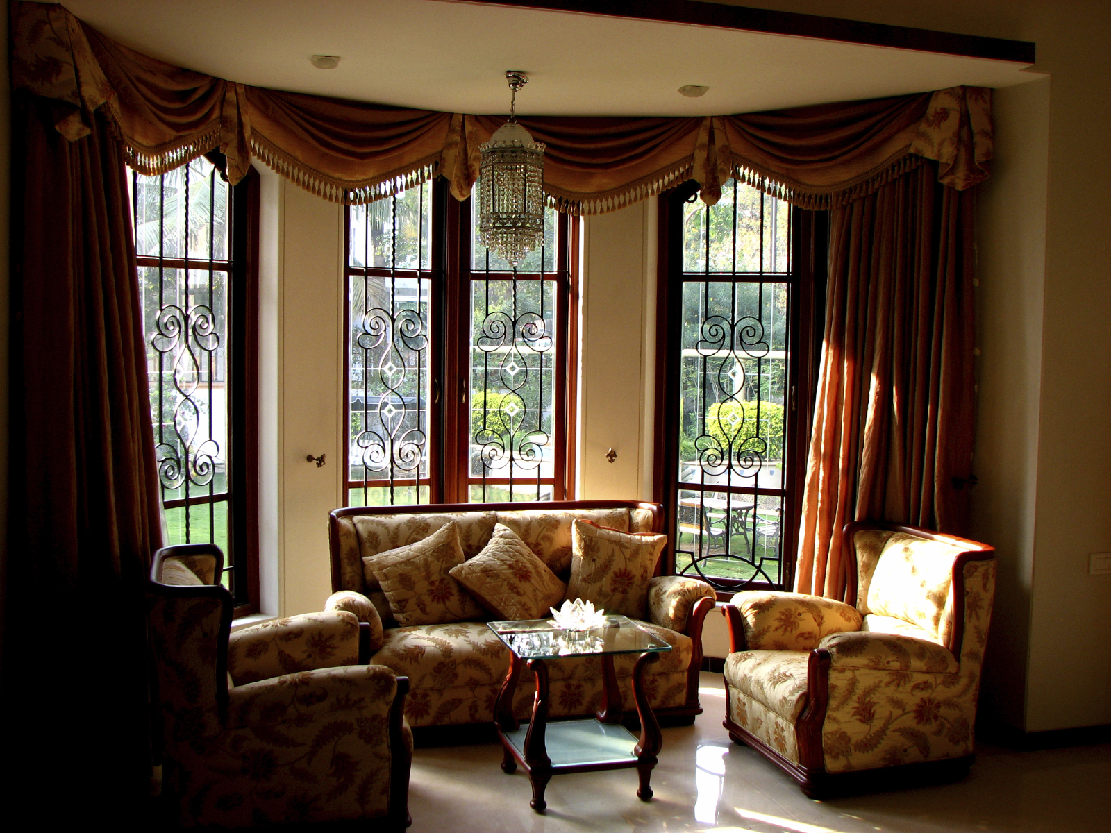 custom-living-room.jpg